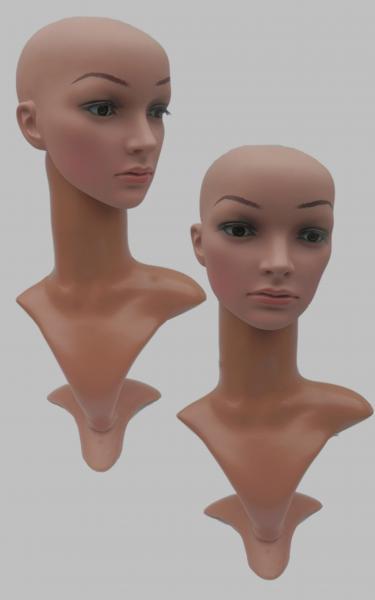 Бюст с реалистичной полиуретановой головой.