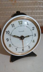 Фото антиквар, Часы Будильник Витязь