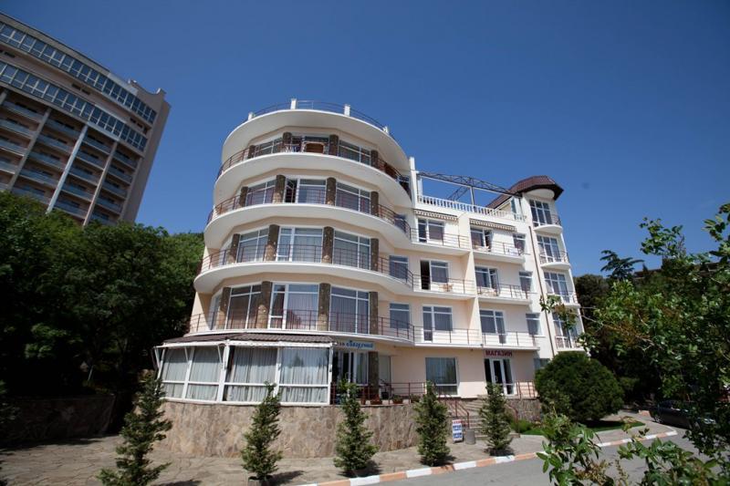 73-Алушта. Сдаётся отель на набережной Алушты,ул.Набережная