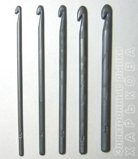 Крючок 4,5 мм - Спицы, крючки и аксессуары для вязания на рынке Барабашова