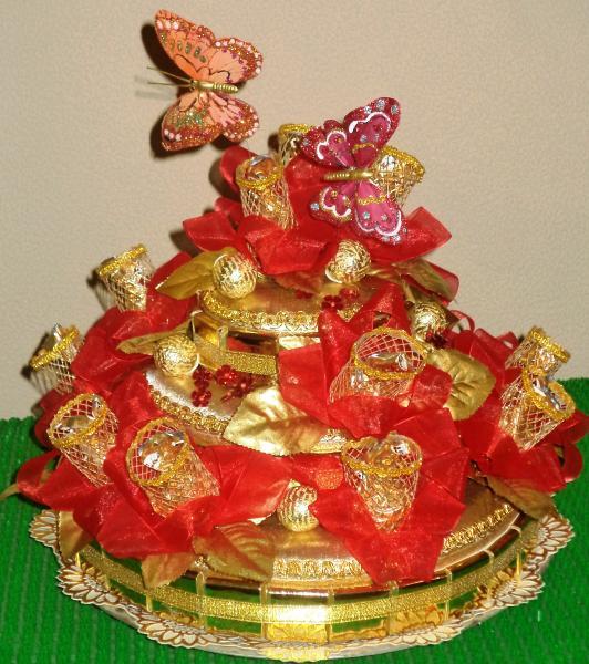 Торт подарочный из конфет «КРАСНЫЙ»