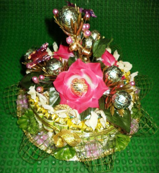 Торт подарочный из конфет «МАЛЫШ»