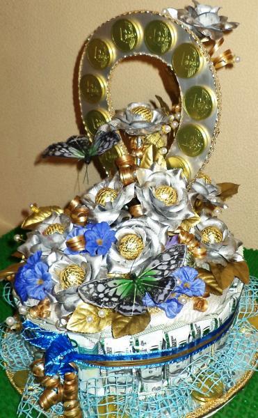 Торт подарочный из конфет «ПОДКОВА»