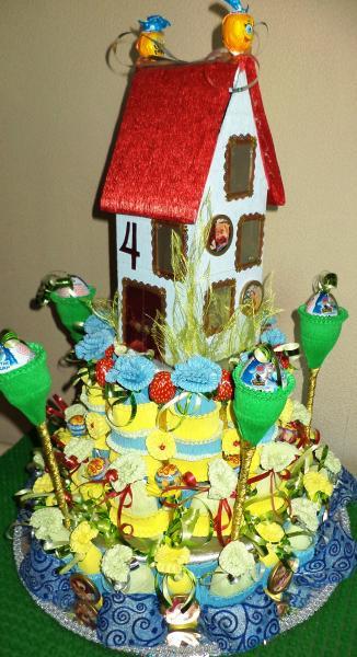 Торт подарочный из конфет «СЛАДКИЙ ДОМИК»