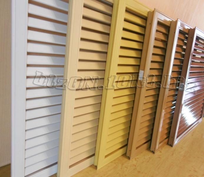 Фото Решетки ПВХ и Экраны ХДФ (МДФ) для радиаторов отопления и декора Решетка пластиковая   600 х 600 мм;   цвет - Дуб;   для радиаторов отопления и декора