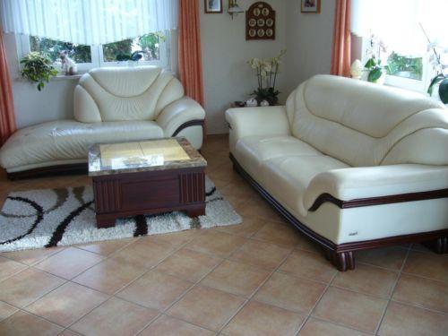 Комплект кожаной мебели (3+2+1) + стол.