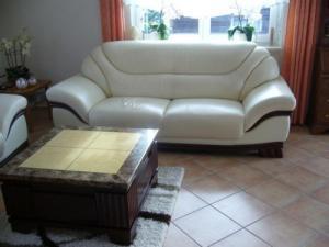 Фото Кожаная мягкая мебель Комплект кожаной мебели (3+2+1) + стол.