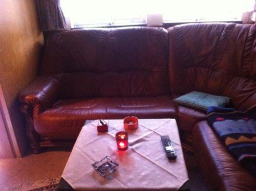 Угловой кожаный диван + кресло