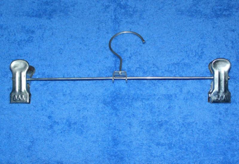 Плечики с прищепкой.  (К-2)31 см.