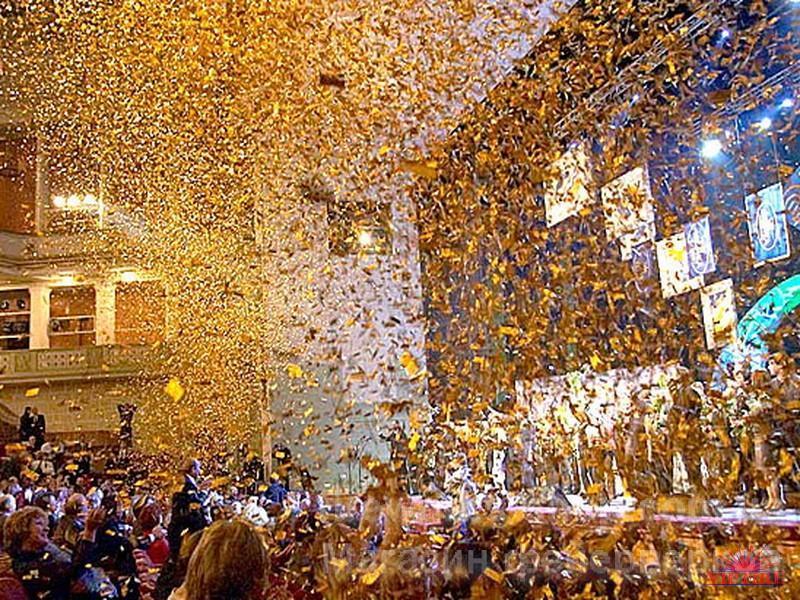 Фото Профессиональный фейерверк Конфетти для свадьбы ,корпоратива,выпускного и прочих праздничных мероприятий