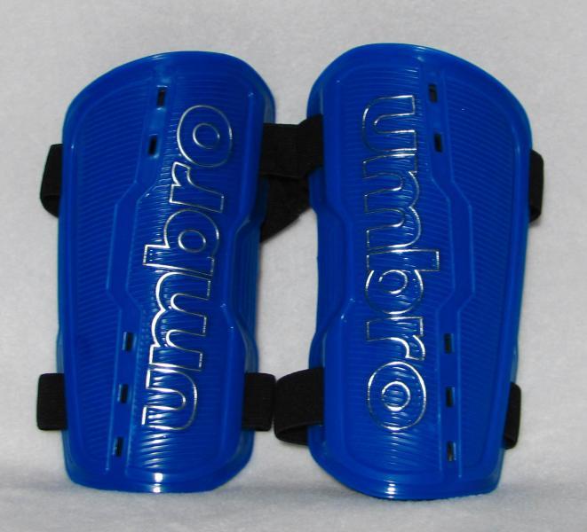 Щитки футбольные UMB fb-625 синие