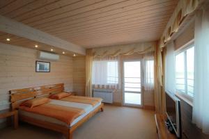 Фото Большая Ялта, Отдых в Ялте, Отели в Ялте 01 - VIP  Отель