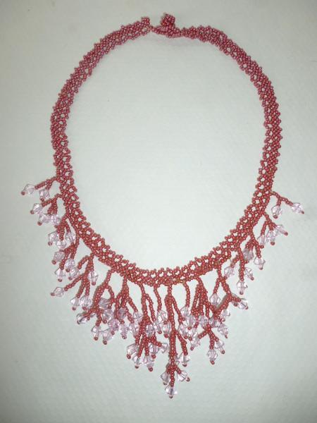 Колье-ожерелье из бисера