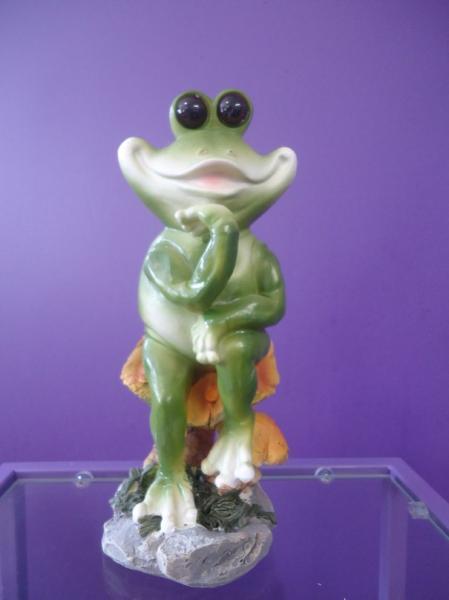 Ландшафтная фигурка-Лягушка на грибе