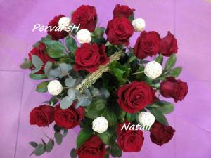 Фото Корзины из цветов и цветочные композиции Корзина из роз и шариков из ротанга
