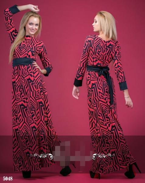 Платье с орнаментом длинное. Цвет - коралл, темно-синий.5048