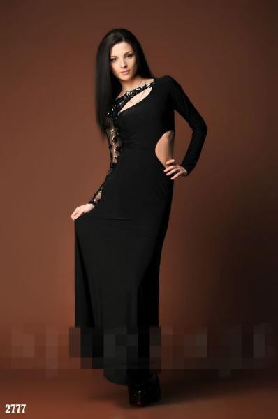 Платье в пол с вырезом на бедре. Цвет - черный.2777