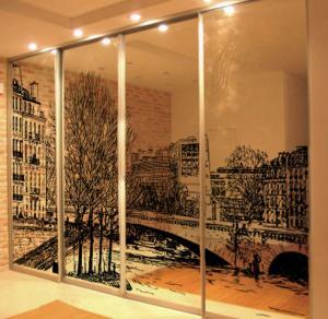 Фото Наполнение двери (фотопечать, химтравление, покраска) Фотопечать на зеркале