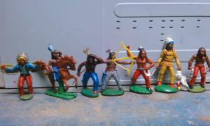 Фото антиквар, Игрушки  Индейцы ГДР