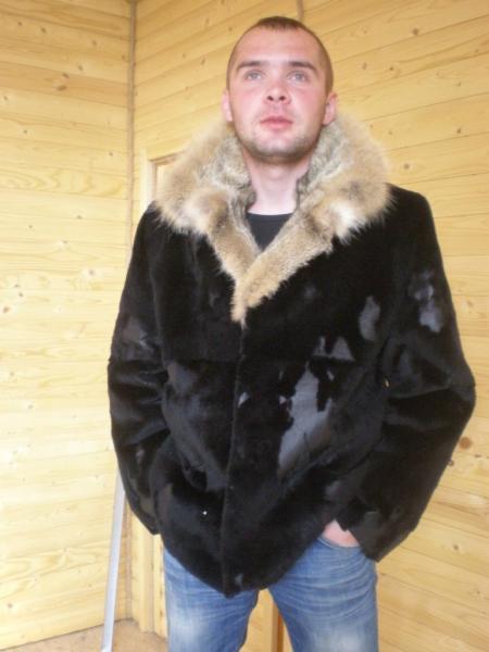 Мужская куртка из плюшевой нутрии, воротник – камышовый кот.