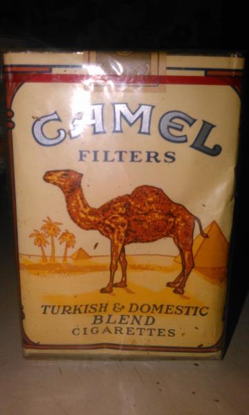 Пачка сигарет CAMEL