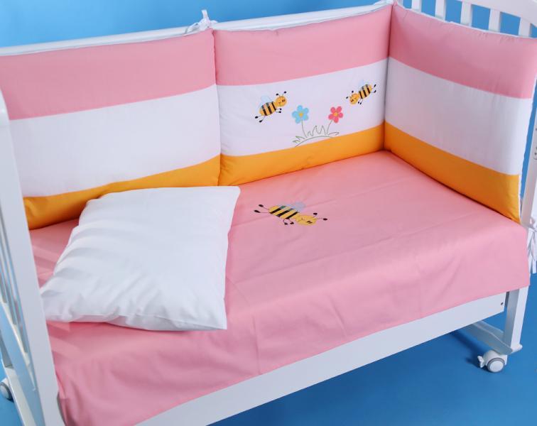 """Защита в детскую кроватку """"Пчелки на розовом"""" 300 см + КПБ"""