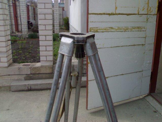 Алюминиевый штатив под нивелир/ теодолит