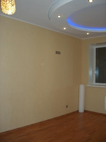 Покраска стен и потолков с предварительной подготовкой.