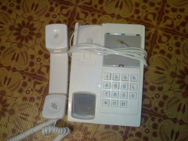 Cтационарный телефон «Британика»