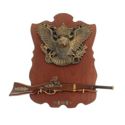 Сувенирное изделие ружье на планшете с крупным накладным элементом орел 722006