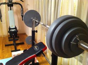 Фото Штанги Штанга олимпийская 200 кг + 2 диска по 10 кг в подарок