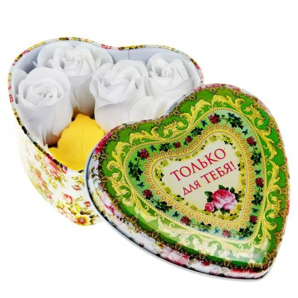 """Набор мыльные лепестки 5 шт + мыло листок желтый + серпантин в шкатулке сердце большом """"Только для тебя 320863"""