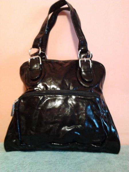 Удобная женская сумка черная