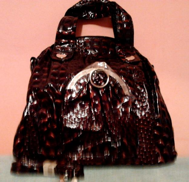 """Женская сумка с нарядным декором (искусственная """"крокодиловая"""" кожа)"""