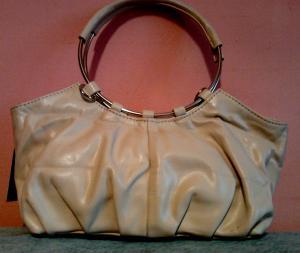 Фото Женские сумки Маленькая женская сумочка сливочного оттенка