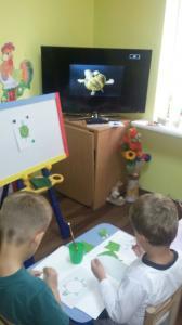 Фото Маленьким хтосикам (2-3 роки)  та кмітливим чомусикам (3-4 роки) Розвиток сенсорної та дрібної моторики, знайомство з прекрасним, ігри та розваги.