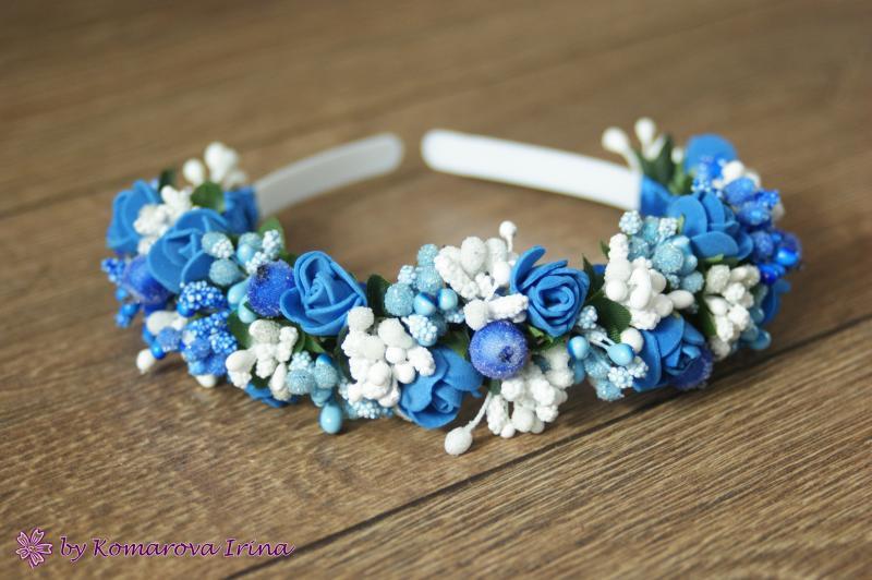 Ободок с синими розочками