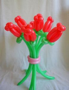 Фото Цветы из шариков Букет из 7ми роз