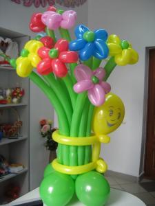 Фото Цветы из шариков Букет цветов асорти количество цветков от 3х штук