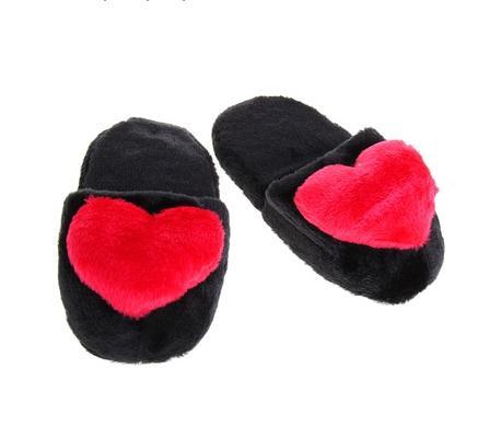 Тапочки черные с сердцем, 42 размер