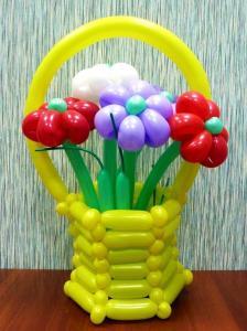Фото Цветы из шариков вукет в вазе