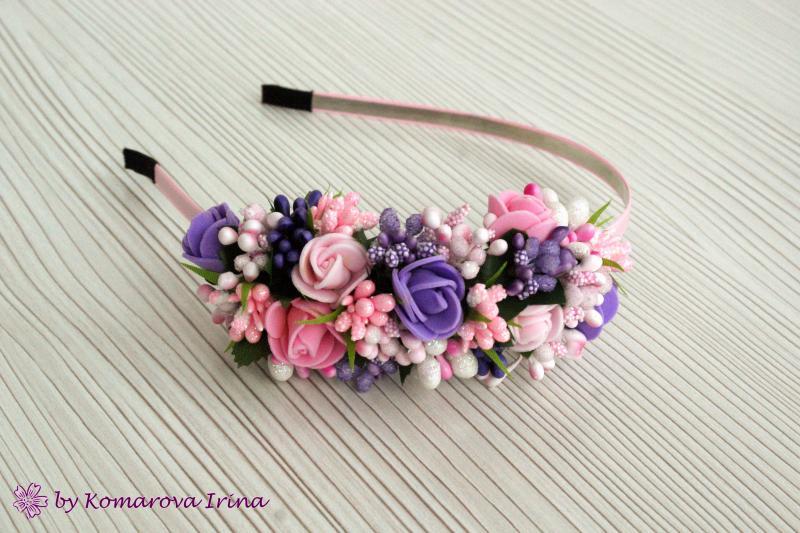 Асимметричный ободок в розово-фиолетовом цвете