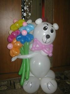 Фото Фигурки из шаров Медведь из шаров