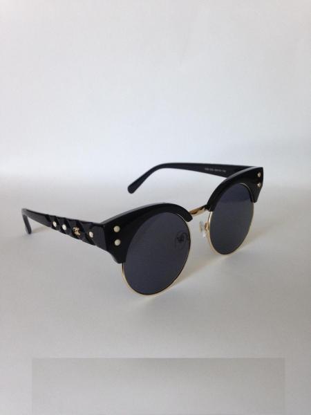 0006  Женские солнцезащитные очки Chanel  черные