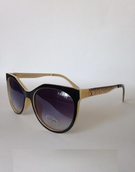 0015  Женские солнцезащитные очки FENDI чёрно-бежевые или чёрные