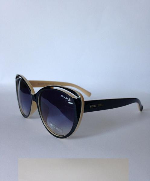 0023  Женские солнцезащитные очки Miu Miu чёрно-бежевые