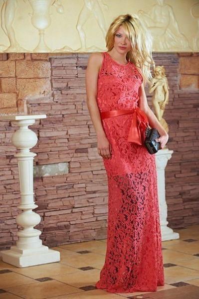 Платье женское нарядное гипюровое коралл 2782
