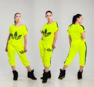 Фото Спортивные костюмы Гламурный женский костюм Адидас бриджи НОРМА