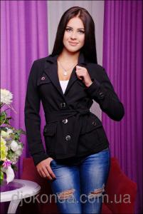 Фото Пиджаки, жакеты женские Стильный женский пиджак на пуговицах с отложным воротником и накладными карманами