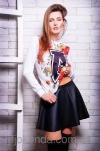 Фото Юбки короткие и длинные Модная юбка -клеш кожзам